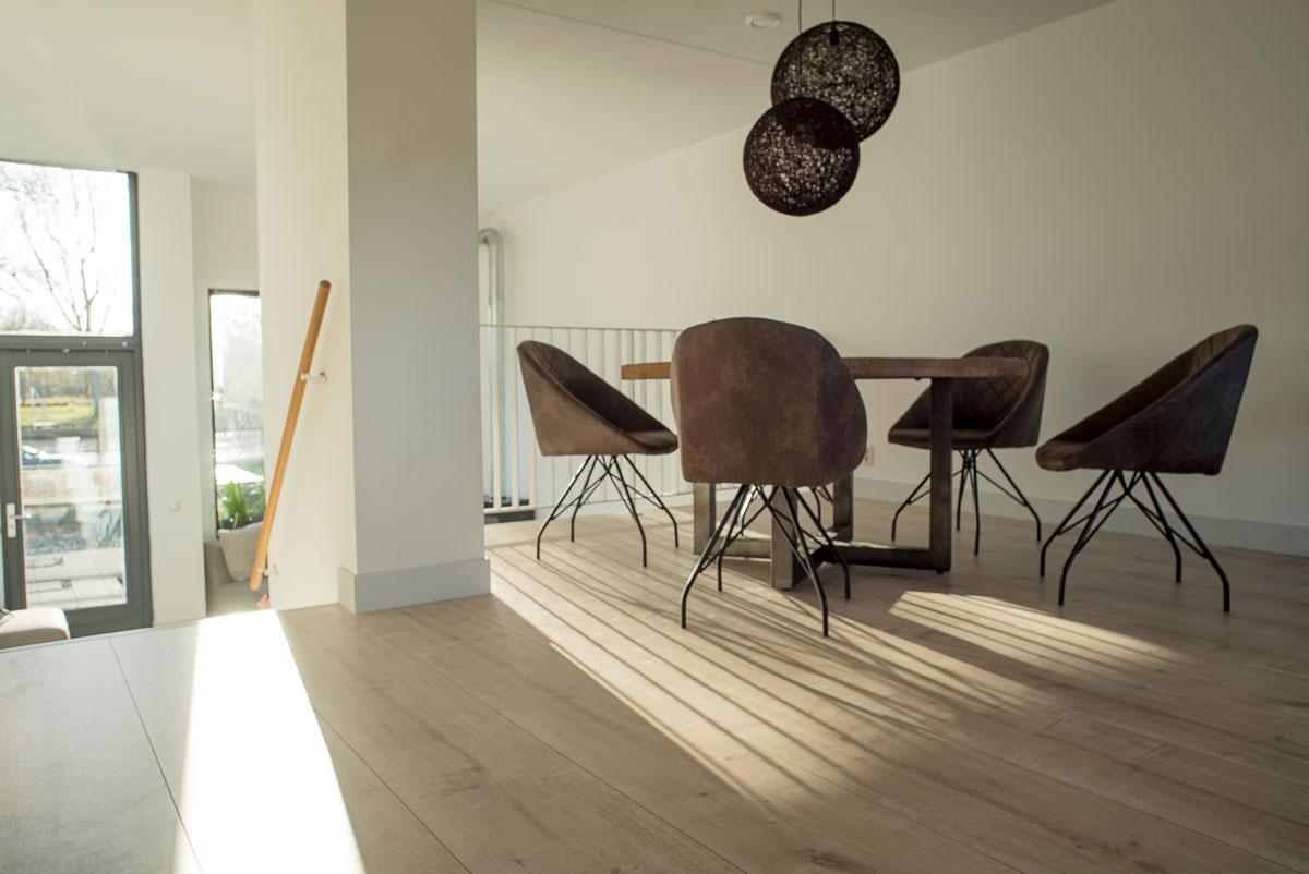 Licht Eiken Laminaat : Floer landhuis laminaat licht eiken extra brede vloeren