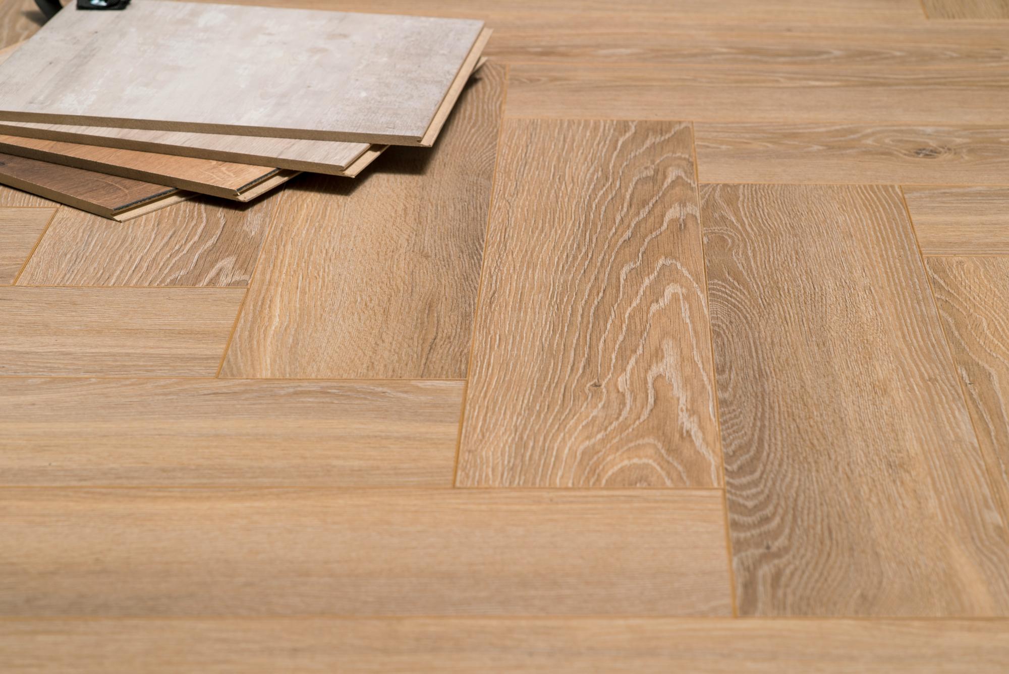 Visgraat Laminaat Leggen : Floer visgraat laminaat vloeren natuur eiken patroon vloer