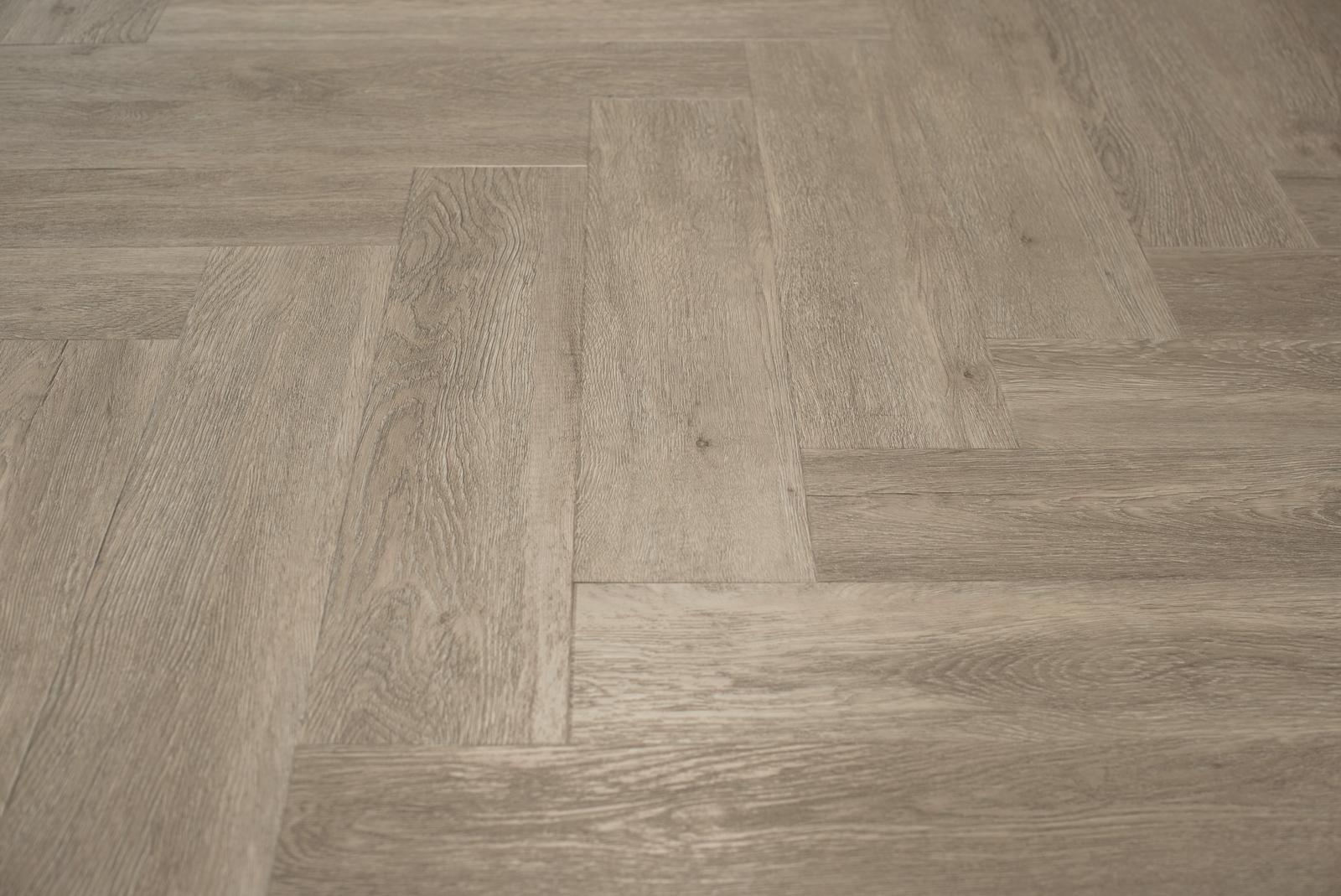 Visgraat Vloer Grijs : Floer visgraat pvc vloer grijsbeige eiken visgraat vloeren met v groef