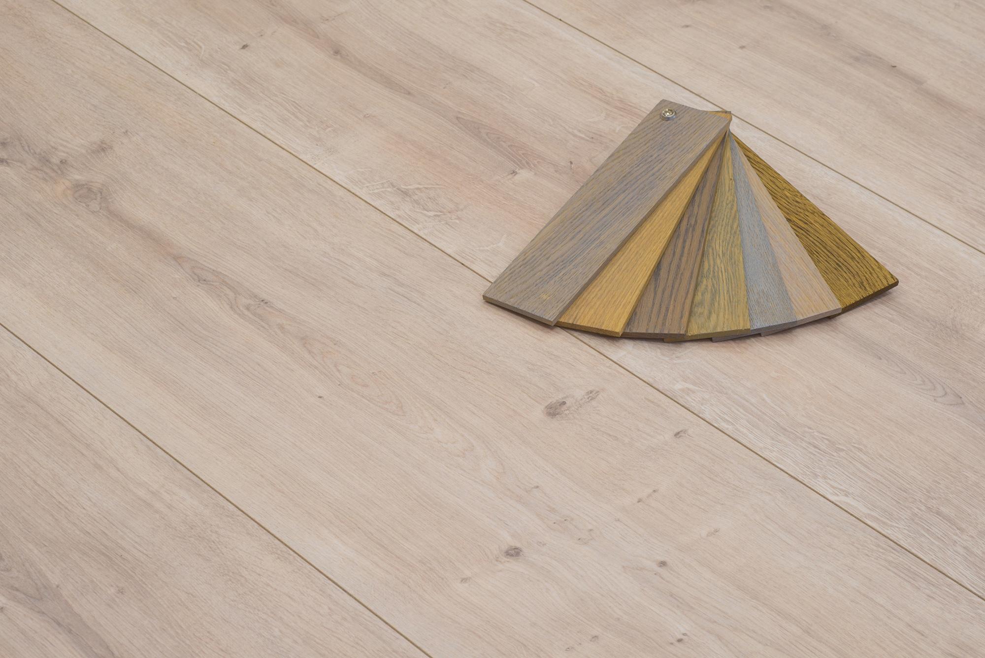 Floer landhuis laminaat licht eiken extra brede vloeren