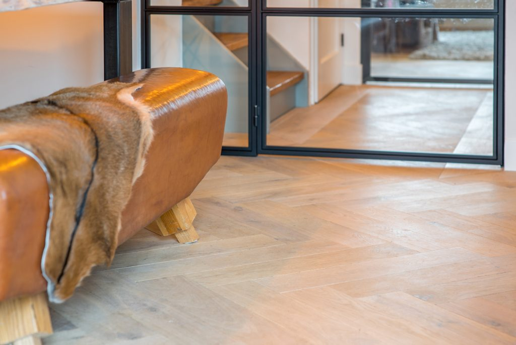 Floer Visgraat Eiken Parket Verouderd en Wit Geolied houten visgraat vloer Verliefd op visgraat