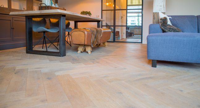 Floer-Eiken-Visgraat-Parket-Vloeren-Verouderd-Wit-Geolied-Sfeer- hoe onderhoud en reinig ik mijn houten vloer