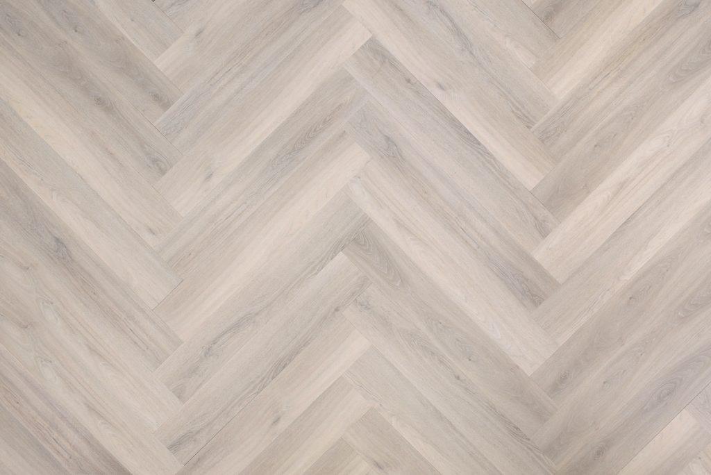 Floer_Walvisgraat_PVC_Balein_Beige De zes voordelen van PVC vloeren