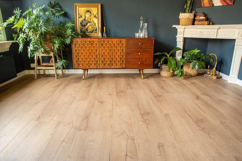 Floer-Landhuis-Variatie-Laminaat-Rustiek-Pure-Eik-Vloer-Vloeren top 3 unieke vloeren