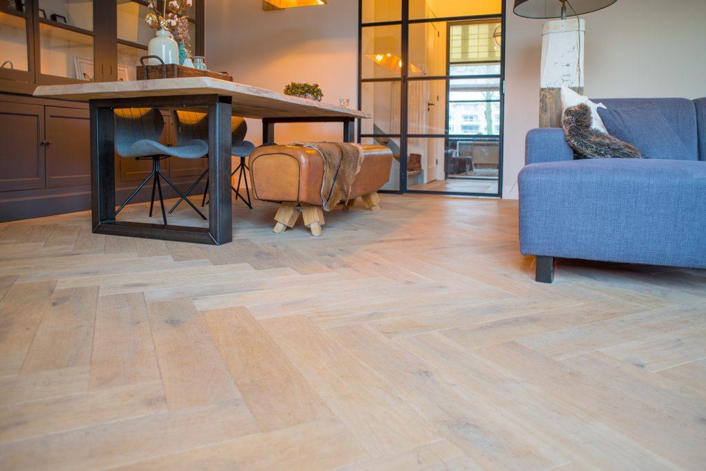 Floer Eiken Visgraat Parket vloer Verouderd Wit Geolied Hoe onderhoud en reinig ik mijn houten vloer?