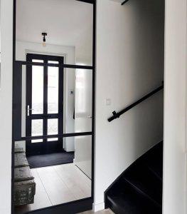 Floer-Landhuis-Laminaat-Lichte-Eik-Klantfoto-zwart in je interieur