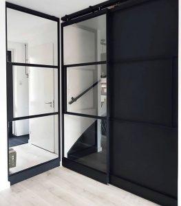 Floer-Landhuis-Laminaat-Lichte-Eik-Klantfoto-Industrieel-Inrichting zwart in je interieur
