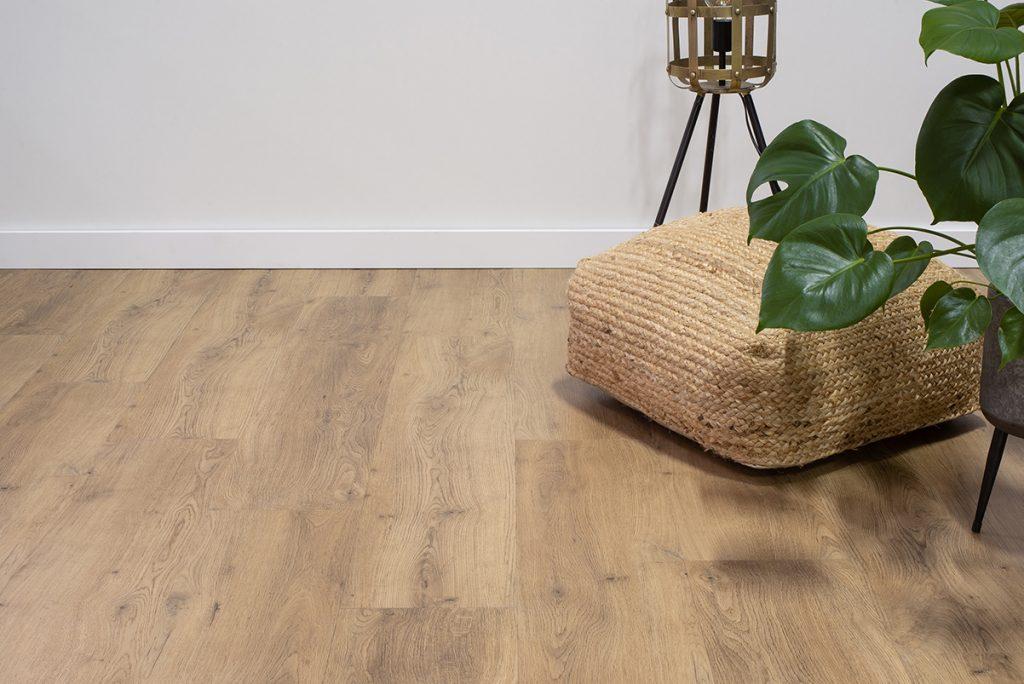 Floer-Dorpen-PVC-Vloer-Geldrop-Gerookt-Eiken de zes voordelen van pvc vloeren