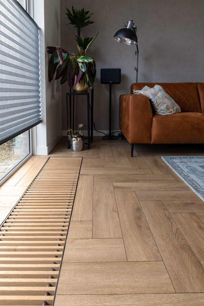 Floer-Visgraat-Laminaat-Bruin-Eiken-vloer-interieur